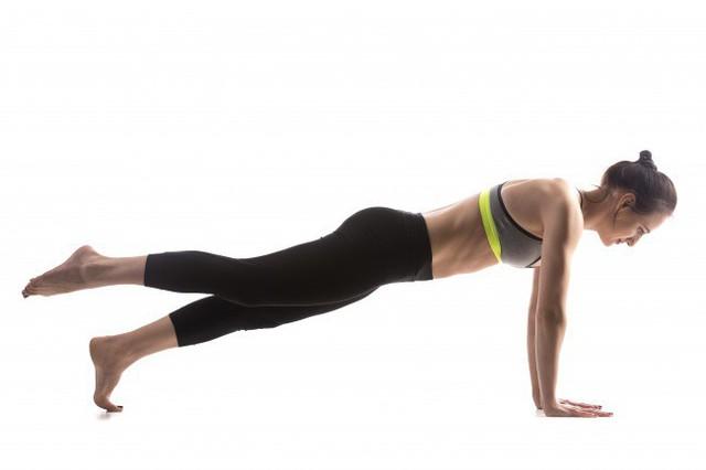 12 động tác đốt cháy mỡ thừa nhanh nhất: Không cần đến phòng Gym, hãy tập ngay tại nhà! - Ảnh 2.