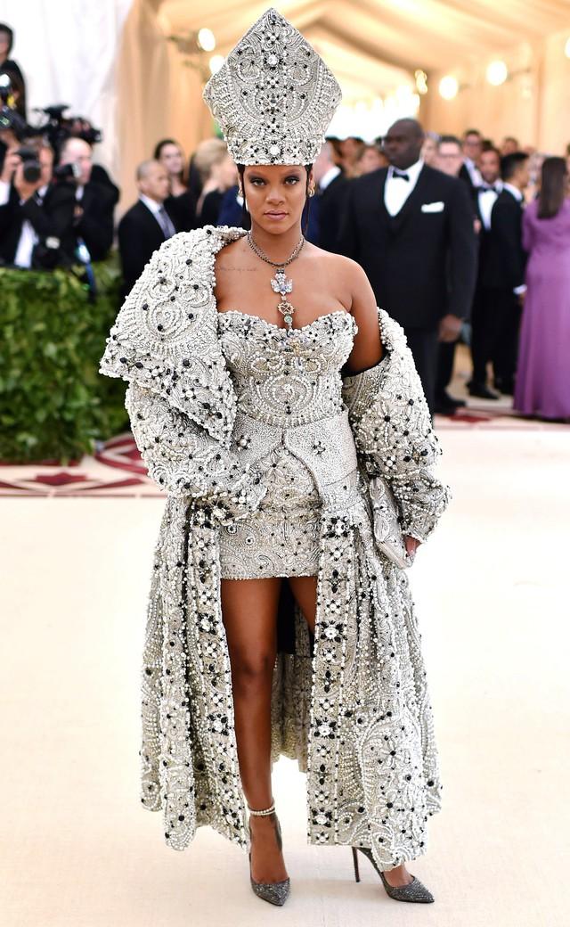 Những trang phục Haute Couture cao cấp bậc nhất xuất hiện trong Met Gala 2018: Đẳng cấp, thời thượng và xứng tầm với sự kiện Oscar thời trang - Ảnh 1.