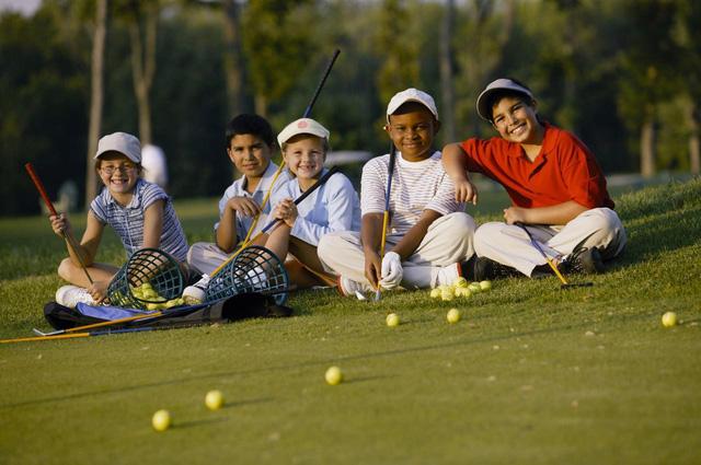 Những bài học cuộc sống quý giá golf có thể dạy cho con bạn - Ảnh 5.