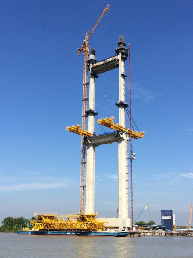 Ngắm cầu dây văng Bình Khánh cao nhất Việt Nam dần hiện hữu - Ảnh 5.