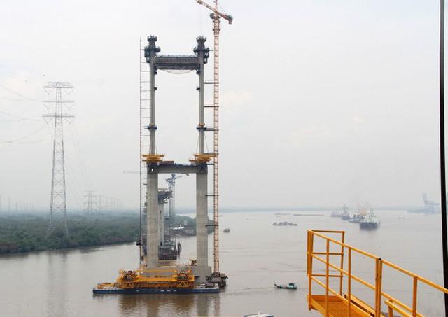 Ngắm cầu dây văng Bình Khánh cao nhất Việt Nam dần hiện hữu - Ảnh 6.