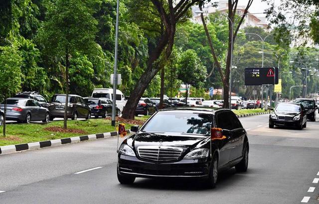 [ẢNH] Cận cảnh đoàn xe hộ tống hùng hậu của lãnh đạo Triều Tiên Kim Jong-un tại Singapore - Ảnh 1.
