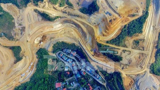 Tận thấy các ngọn đồi trọc đầu vì dự án ở Hạ Long - Ảnh 2.
