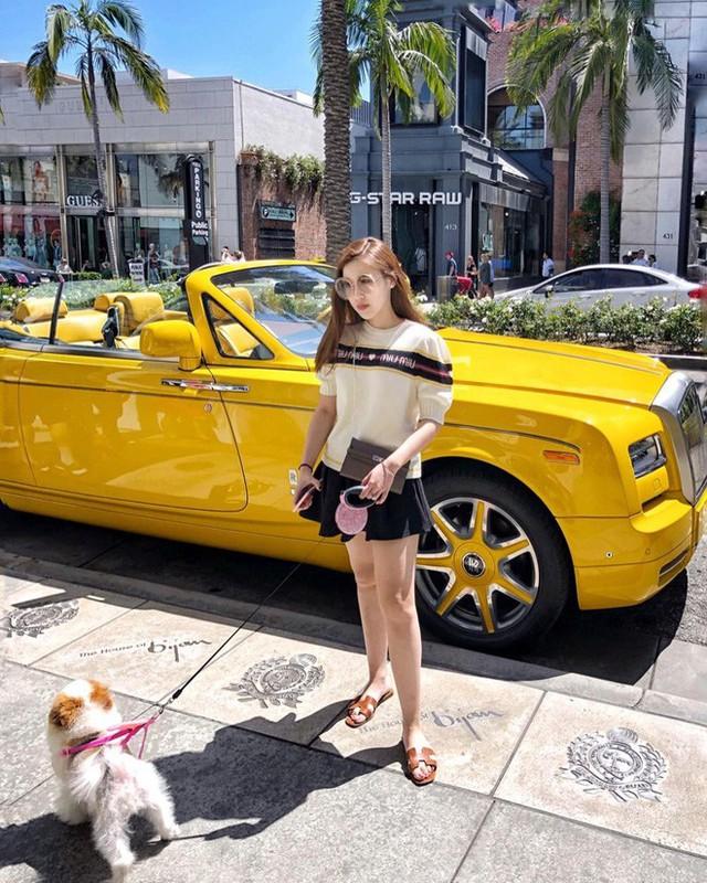 Theo chân Hội con nhà giàu Việt hưởng thụ kỳ nghỉ hè trên khắp thế giới - Ảnh 20.