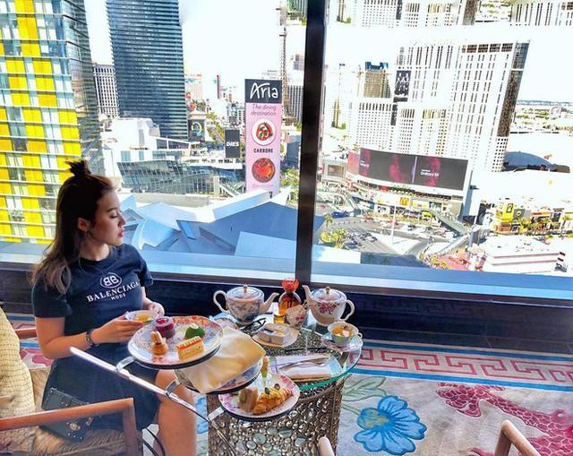 Theo chân Hội con nhà giàu Việt hưởng thụ kỳ nghỉ hè trên khắp thế giới - Ảnh 23.