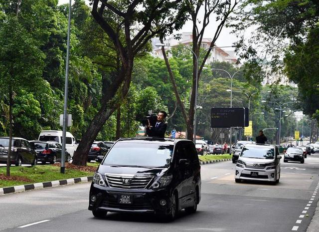 [ẢNH] Cận cảnh đoàn xe hộ tống hùng hậu của lãnh đạo Triều Tiên Kim Jong-un tại Singapore - Ảnh 4.