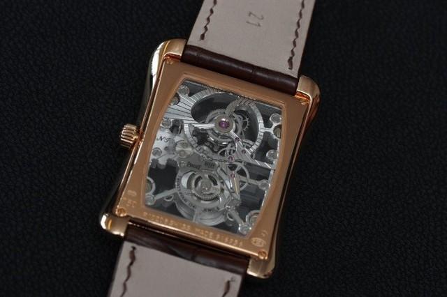 Một thập kỷ trôi qua, chiếc đồng hồ này vẫn là kiệt tác khiến giới mộ điệu say đắm - Ảnh 2.