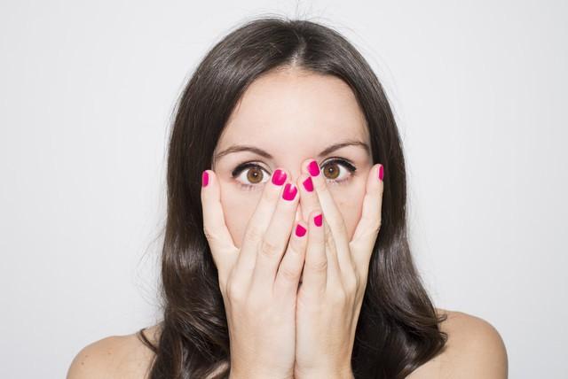 Vệt đỏ trong mắt có thể ngầm báo hiệu một số vấn đề sức khỏe nghiêm trọng - Ảnh 5.