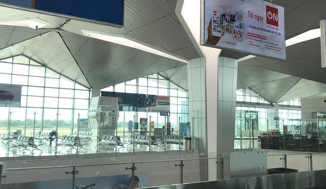 Nữ hành khách Trung Quốc trình báo bỏ quên túi đồ có 10 nghìn USD ở sân bay Vinh - Ảnh 2.