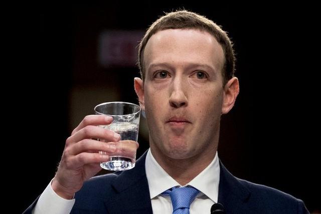 Các gã khổng lồ công nghệ đang dần chia làm 2 phe: Microsoft và Apple một bên, Google và Facebook bên còn lại... - Ảnh 2.