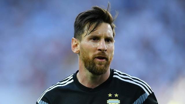 Trước những chiến binh Viking, Messi cúi mặt hát bài Đừng khóc cho tôi, Argentina - Ảnh 1.
