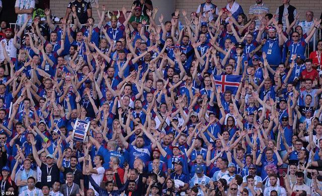 Trước những chiến binh Viking, Messi cúi mặt hát bài Đừng khóc cho tôi, Argentina - Ảnh 12.