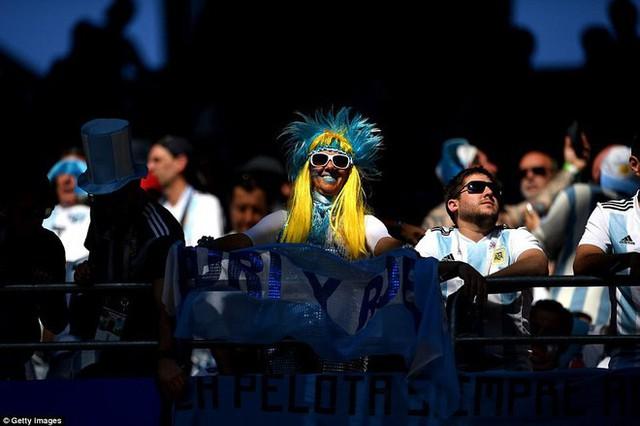 Trước những chiến binh Viking, Messi cúi mặt hát bài Đừng khóc cho tôi, Argentina - Ảnh 24.