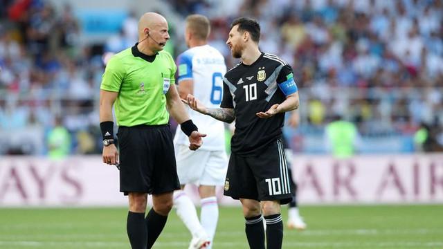 Trước những chiến binh Viking, Messi cúi mặt hát bài Đừng khóc cho tôi, Argentina - Ảnh 6.