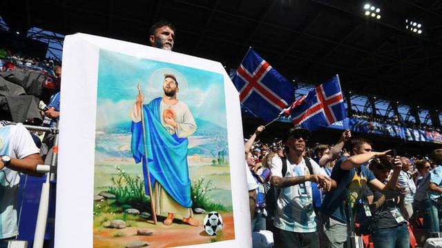 Trước những chiến binh Viking, Messi cúi mặt hát bài Đừng khóc cho tôi, Argentina - Ảnh 8.