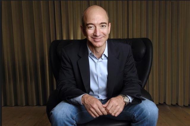Amazon thưởng nóng 5000 USD nếu nhân viên xin nghỉ việc nhưng vẫn chẳng ai muốn nghỉ, bất chấp điều kiện làm việc khắc nghiệt - Ảnh 1.