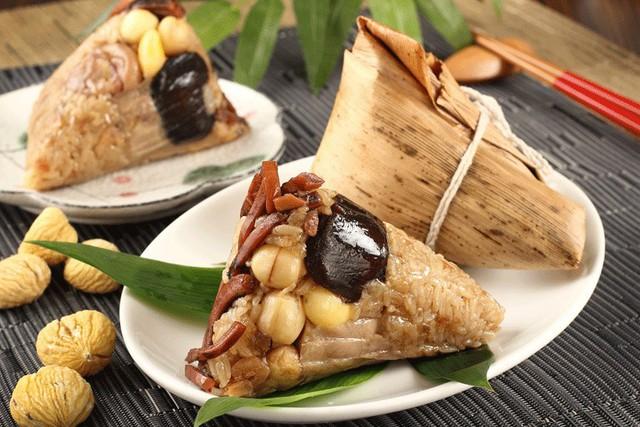 Tết Đoan Ngọ ở Sài Gòn có bánh bá trạng ú ụ tôm thịt trứng muối và đây là những địa chỉ để bạn tìm mua - Ảnh 1.