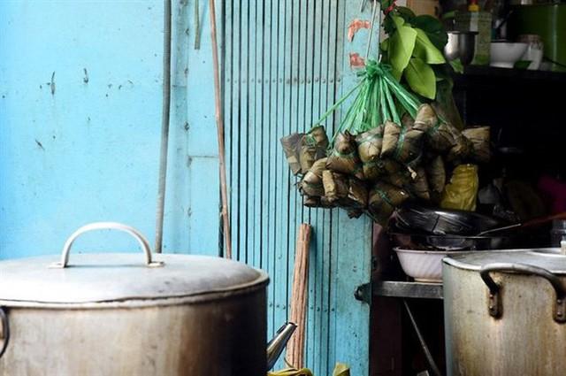 Tết Đoan Ngọ ở Sài Gòn có bánh bá trạng ú ụ tôm thịt trứng muối và đây là những địa chỉ để bạn tìm mua - Ảnh 3.