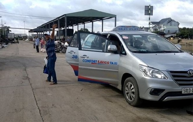 Hai hãng taxi ở Sài Gòn bắt tay quyết đấu Grab? - Ảnh 1.