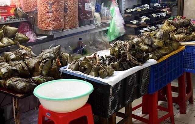 Tết Đoan Ngọ ở Sài Gòn có bánh bá trạng ú ụ tôm thịt trứng muối và đây là những địa chỉ để bạn tìm mua - Ảnh 14.