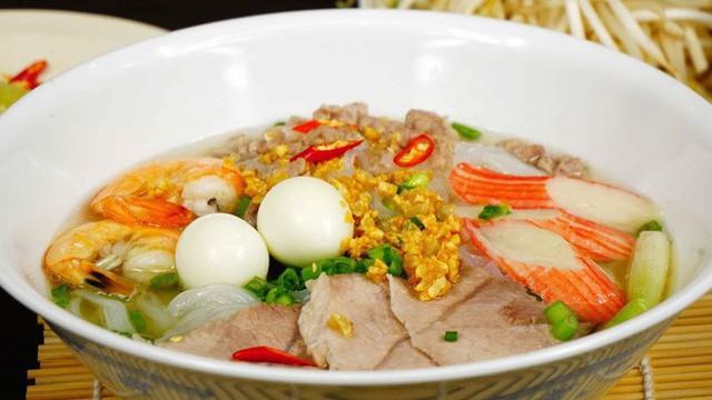 Hủ tiếu Việt Nam lên cả sóng truyền hình Mỹ và được đầu bếp lừng danh Gordon Ramsay khen ngon hết lời - Ảnh 13.