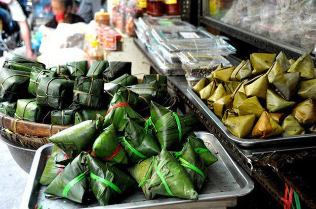 Tết Đoan Ngọ ở Sài Gòn có bánh bá trạng ú ụ tôm thịt trứng muối và đây là những địa chỉ để bạn tìm mua - Ảnh 9.