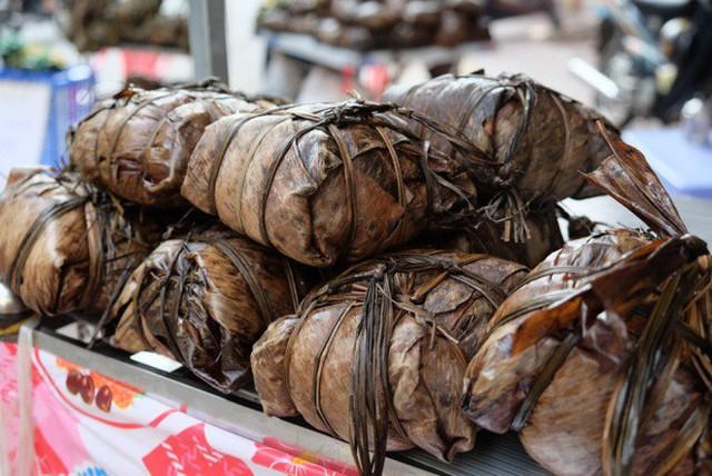 Tết Đoan Ngọ ở Sài Gòn có bánh bá trạng ú ụ tôm thịt trứng muối và đây là những địa chỉ để bạn tìm mua - Ảnh 11.