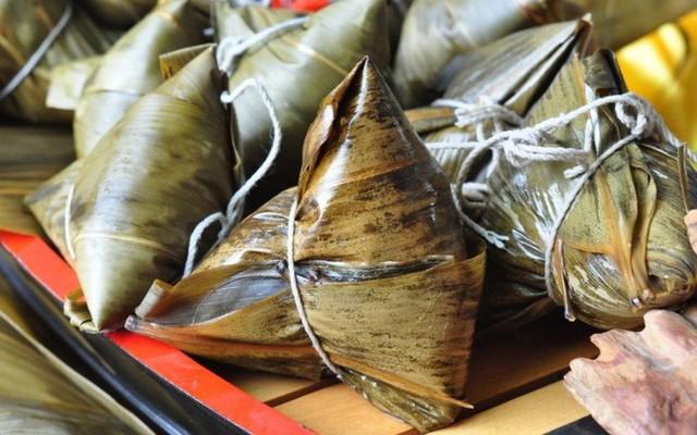 Tết Đoan Ngọ ở Sài Gòn có bánh bá trạng ú ụ tôm thịt trứng muối và đây là những địa chỉ để bạn tìm mua - Ảnh 12.