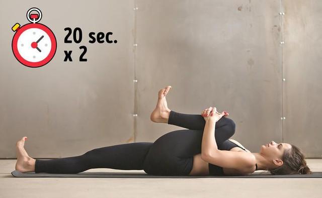 Bài tập đơn giản giúp xua tan chứng đau lưng khó chịu chỉ trong 10 phút - Ảnh 4.