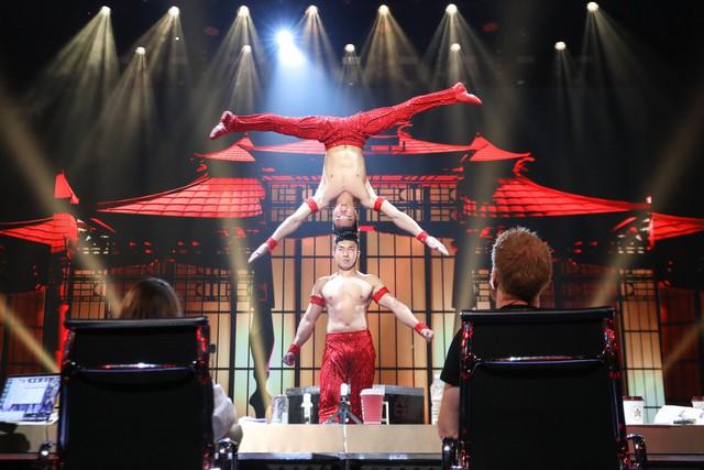 Xem tiết mục của Quốc Cơ - Quốc Nghiệp tại Bán kết Got Talent, khán giả thế giới tiếc vì 2 anh em không nhận được nút vàng - Ảnh 1.