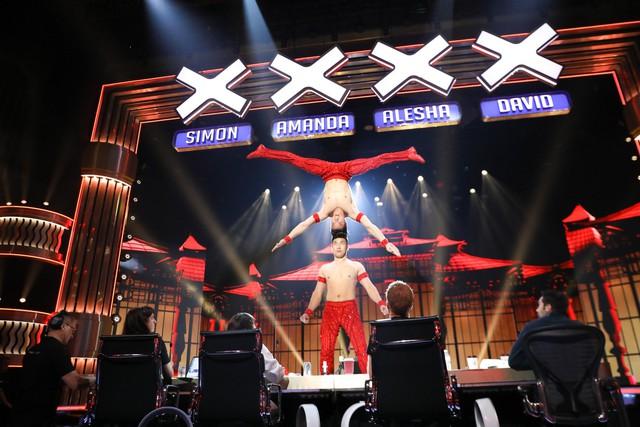 Xem tiết mục của Quốc Cơ - Quốc Nghiệp tại Bán kết Got Talent, khán giả thế giới tiếc vì 2 anh em không nhận được nút vàng - Ảnh 2.