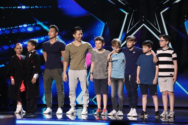Nóng: Thật tuyệt vời, anh em Quốc Cơ - Quốc Nghiệp đã lọt vào Chung kết Britains Got Talent 2018! - Ảnh 7.