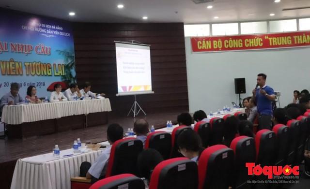 Đà Nẵng thiếu trầm trọng hướng dẫn viên du lịch - Ảnh 2.