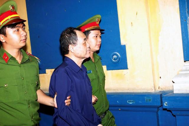 Toà án tiếp nhận lại hồ sơ truy tố Trầm Bê, Phạm Công Danh - Ảnh 2.