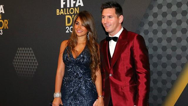 Lionel Messi - chàng cầu thủ biết yêu từ năm... 9 tuổi nhưng từ đó đến nay đã 22 năm chỉ chung thủy với duy nhất một người - Ảnh 2.