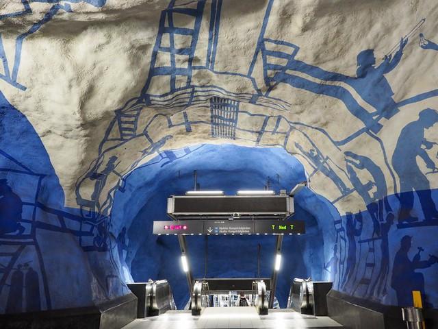 Bên trong những ga tàu điện ngầm đẹp hơn cả triển lãm nghệ thuật tại Thụy Điển - Ảnh 5.