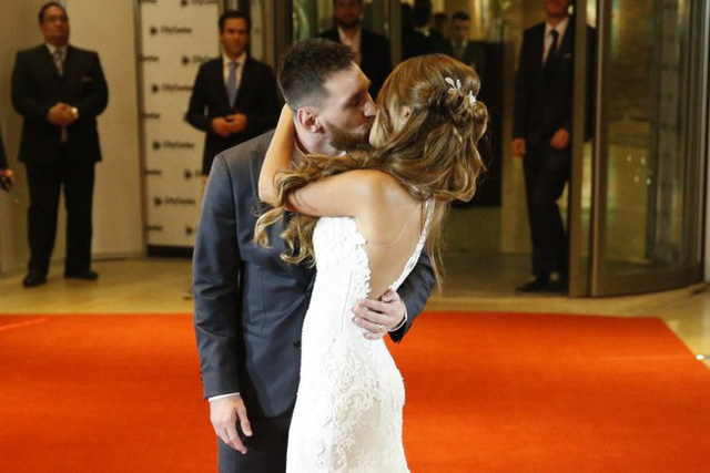 Lionel Messi - chàng cầu thủ biết yêu từ năm... 9 tuổi nhưng từ đó đến nay đã 22 năm chỉ chung thủy với duy nhất một người - Ảnh 7.