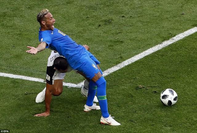 """Vấn đề của World Cup 2018: VAR """"lung tung"""" - Ảnh 5."""