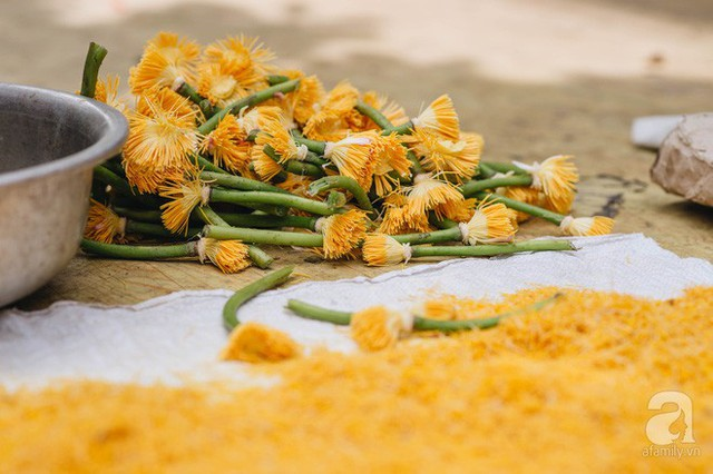 Trà dệt hương sen - thứ trà ủ cả ngàn bông sen Hồ Tây, cả chục triệu một cân vẫn đắt hàng của Hà Nội - Ảnh 6.