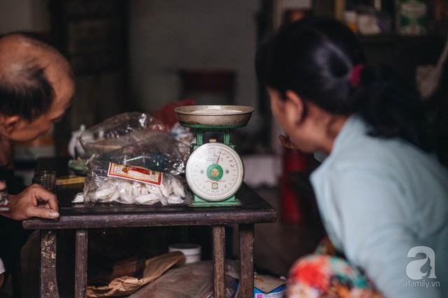 Trà dệt hương sen - thứ trà ủ cả ngàn bông sen Hồ Tây, cả chục triệu một cân vẫn đắt hàng của Hà Nội - Ảnh 7.