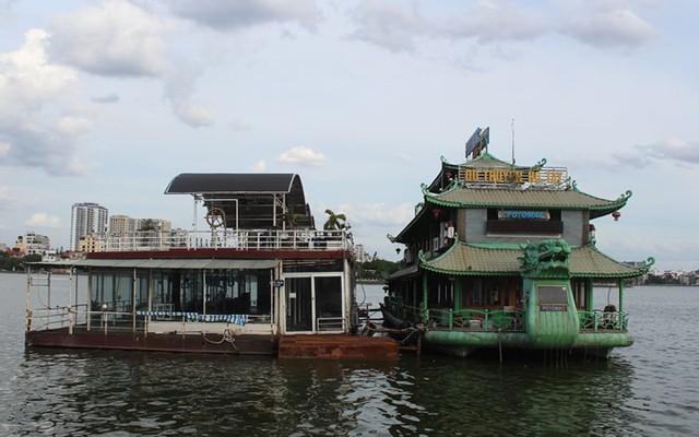 """Cận cảnh """"nghĩa địa"""" du thuyền, nhà hàng nổi trên Hồ Tây - Ảnh 3."""