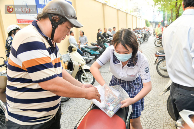Sáng nay, 1 triệu thí sinh trên cả nước bước vào môn thi đầu tiên của kỳ thi THPT Quốc gia: Văn - Ảnh 12.
