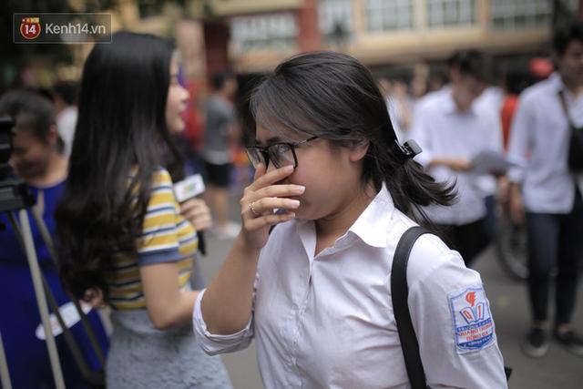Môn Văn: Nhiều thí sinh ra sớm, nhận xét đề không quá khó - Ảnh 16.