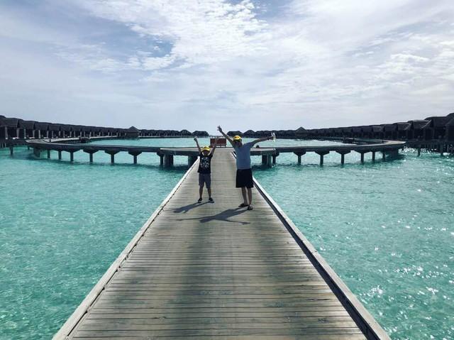Doanh nhân Nguyễn Quốc Cường ngọt ngào bên bạn gái ở Maldives, rộ nghi vấn chụp ảnh cưới - Ảnh 4.