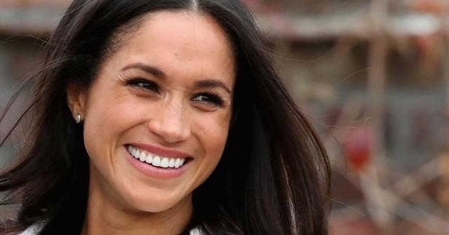 Muôn vàn quy tắc làm con dâu Hoàng tộc: Không ăn tỏi, cấm chơi cờ tỷ phú, phải từ bỏ mạng xã hội và cấm chụp ảnh selfie - Ảnh 1.