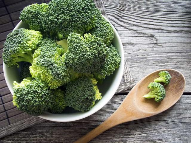 Chuyên gia tiết lộ cách nấu món ăn phòng ngừa ung thư tốt nhất chỉ với mộc nhĩ và súp lơ - Ảnh 2.
