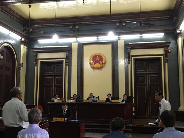 Phiên tòa sáng 27/6: Ông Hà Tấn Phước, Lê Văn Thanh nhận sai phạm chỉ là thiếu quyết liệt - Ảnh 1.
