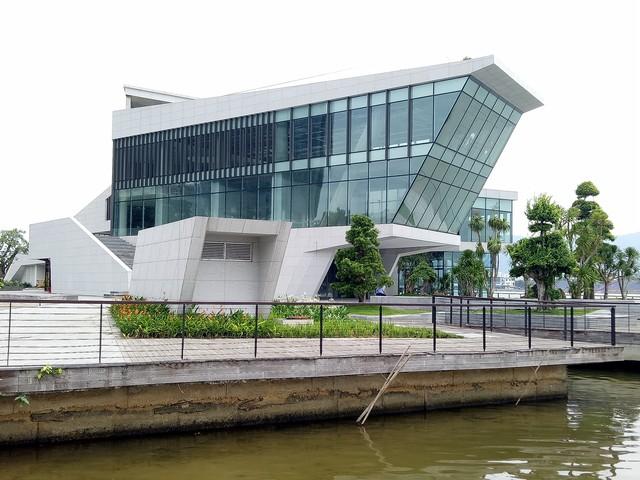 Cận cảnh dự án nhà hàng, bến du thuyền của Vũ nhôm ngay bờ sông Hàn đang bị tham khảo thu hồi - Ảnh 8.