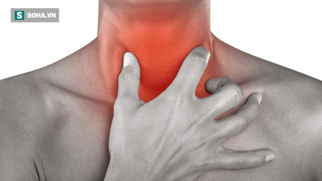 90% người từng bị khô và đau họng sau khi ngủ dậy: Nhớ 8 nguyên nhân phổ biến để tránh - Ảnh 1.