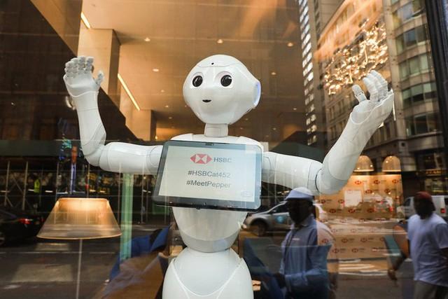 Gặp gỡ Pepper - nhân viên Robot đầu tiên tại một ngân hàng của Mỹ - Ảnh 1.